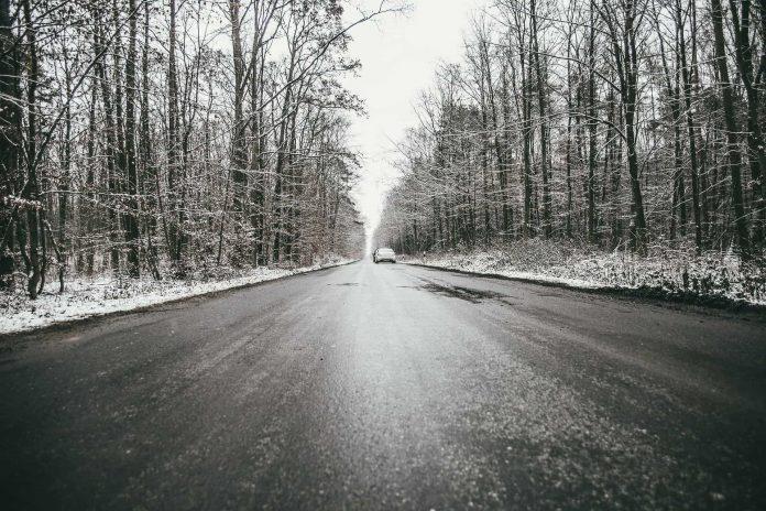 Gołoledź (szklanka) na drogach